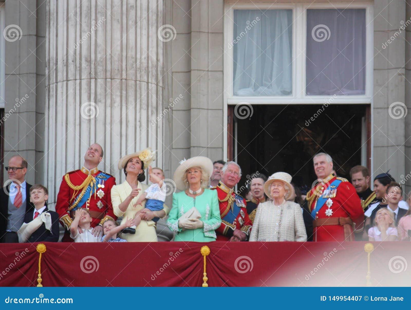 Reina Elizabeth, Londres Reino Unido, el 8 de junio de 2019 - reina Elizabeth Trooping la foto común de la prensa del Buckingham