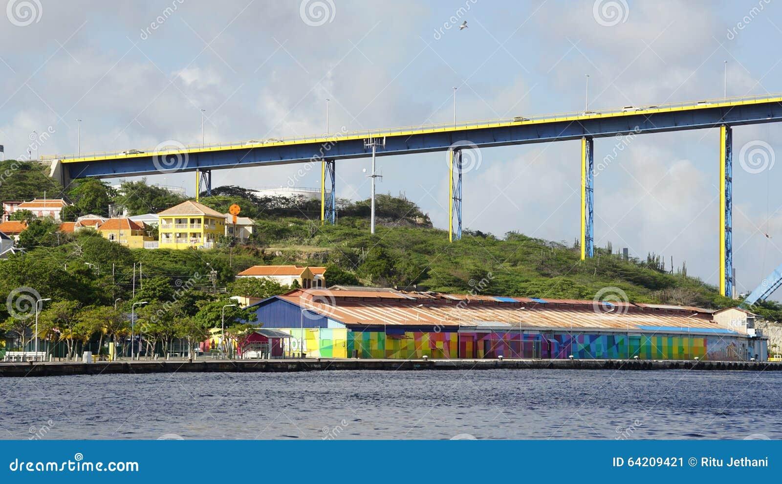 Reina Juliana Bridge en Willemstad, Curaçao