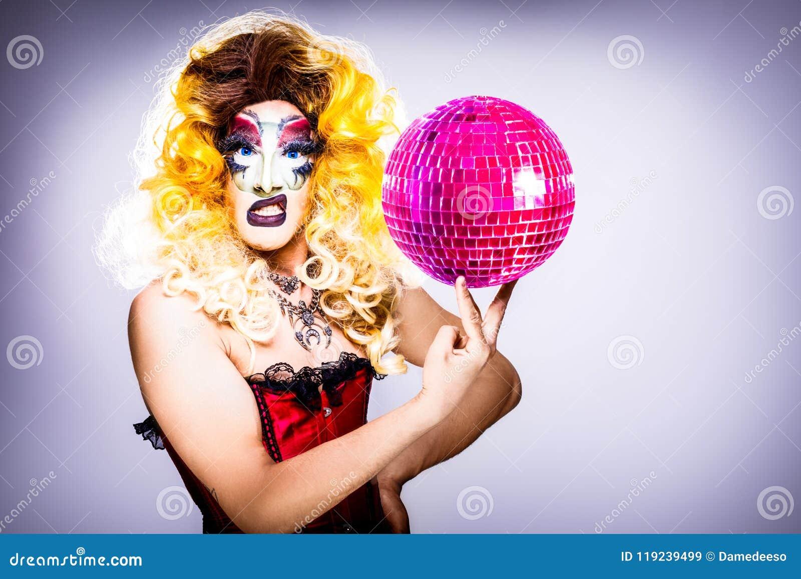 Reine d entrave fascinante avec la boule de disco
