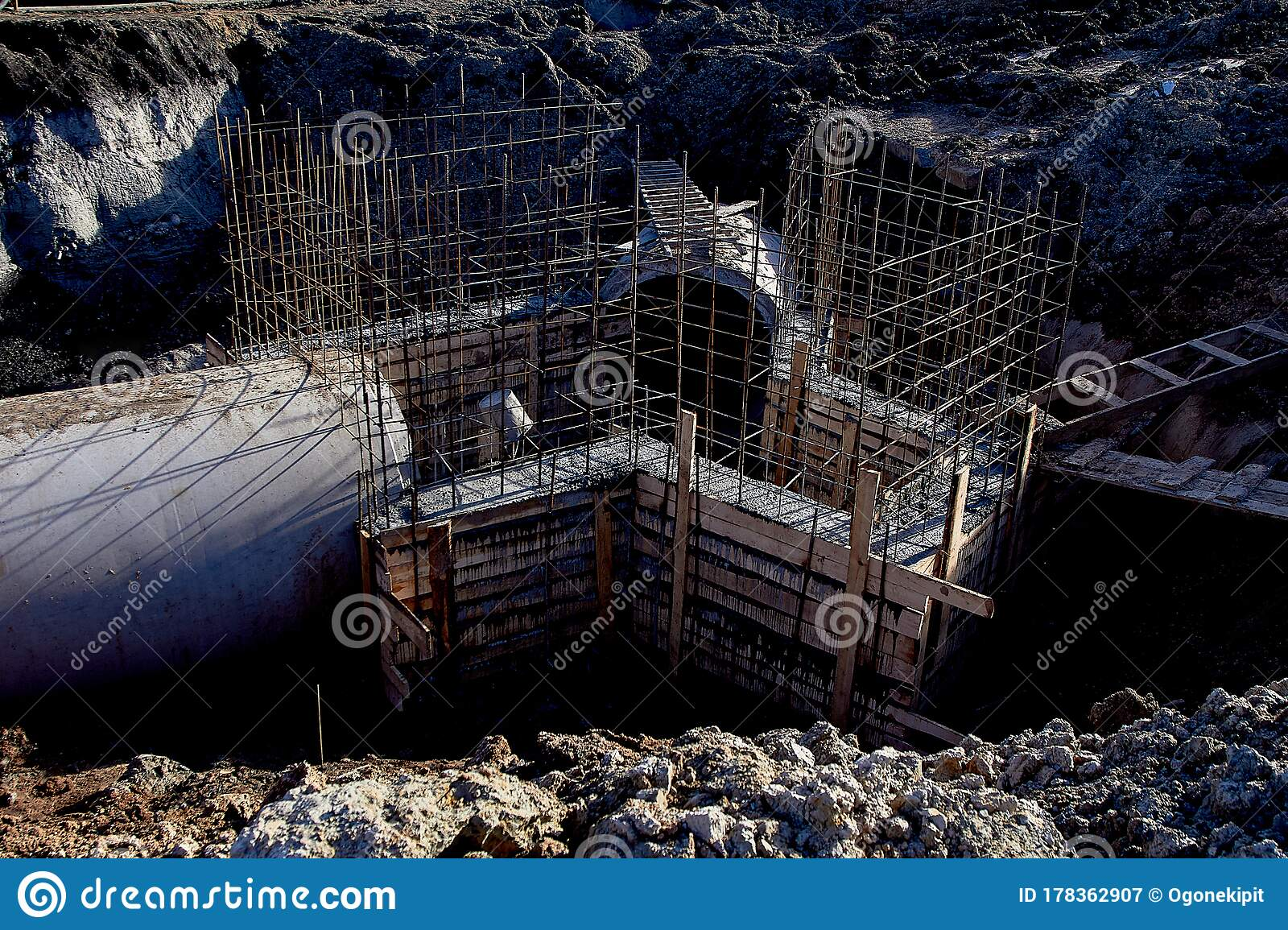 Reinforced Concrete Drainage Pipes Include A Monolithic Chamber Stock Image Image Of Construction Environment 178362907