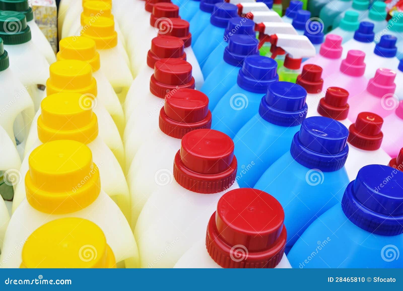Reinigende Plastikflaschen - Reinigungsprodukte