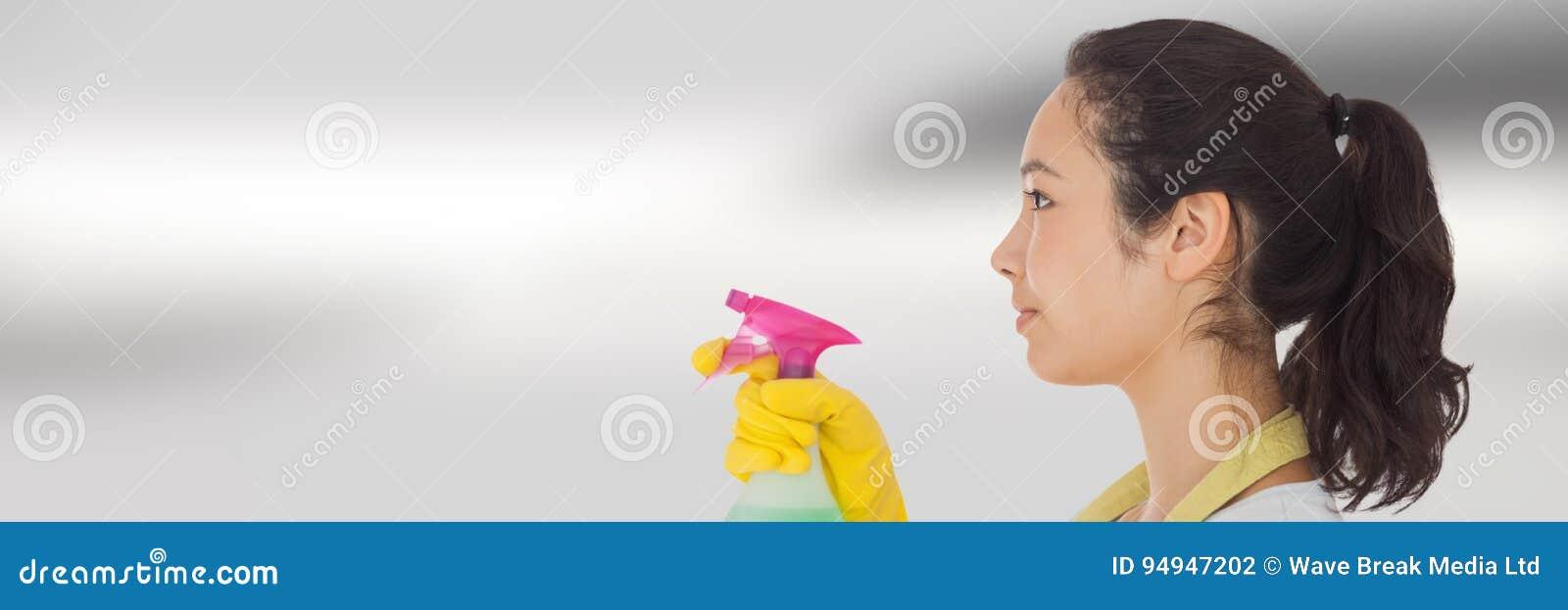 Reinigingsmachine met nevel met heldere achtergrond