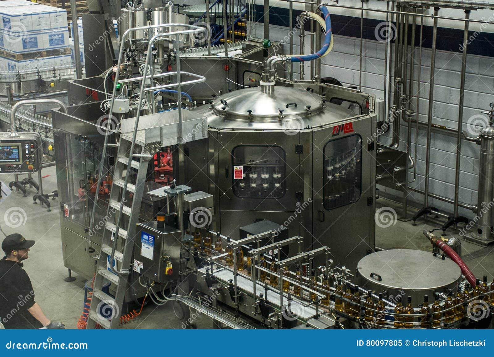 Reino Unido, Escócia 17 05 Produção 2016 da destilaria do uísque de Glen Grant Speyside Single Malt Scotch 3