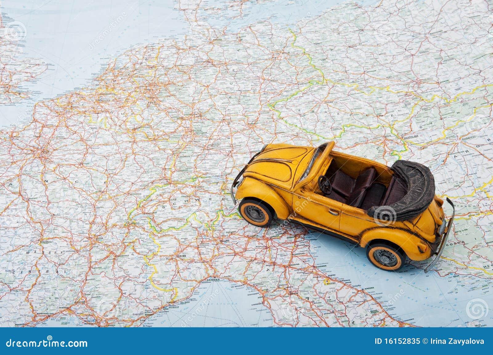 Reise Durch Auto Ein Spielzeugauto Auf Der Karte