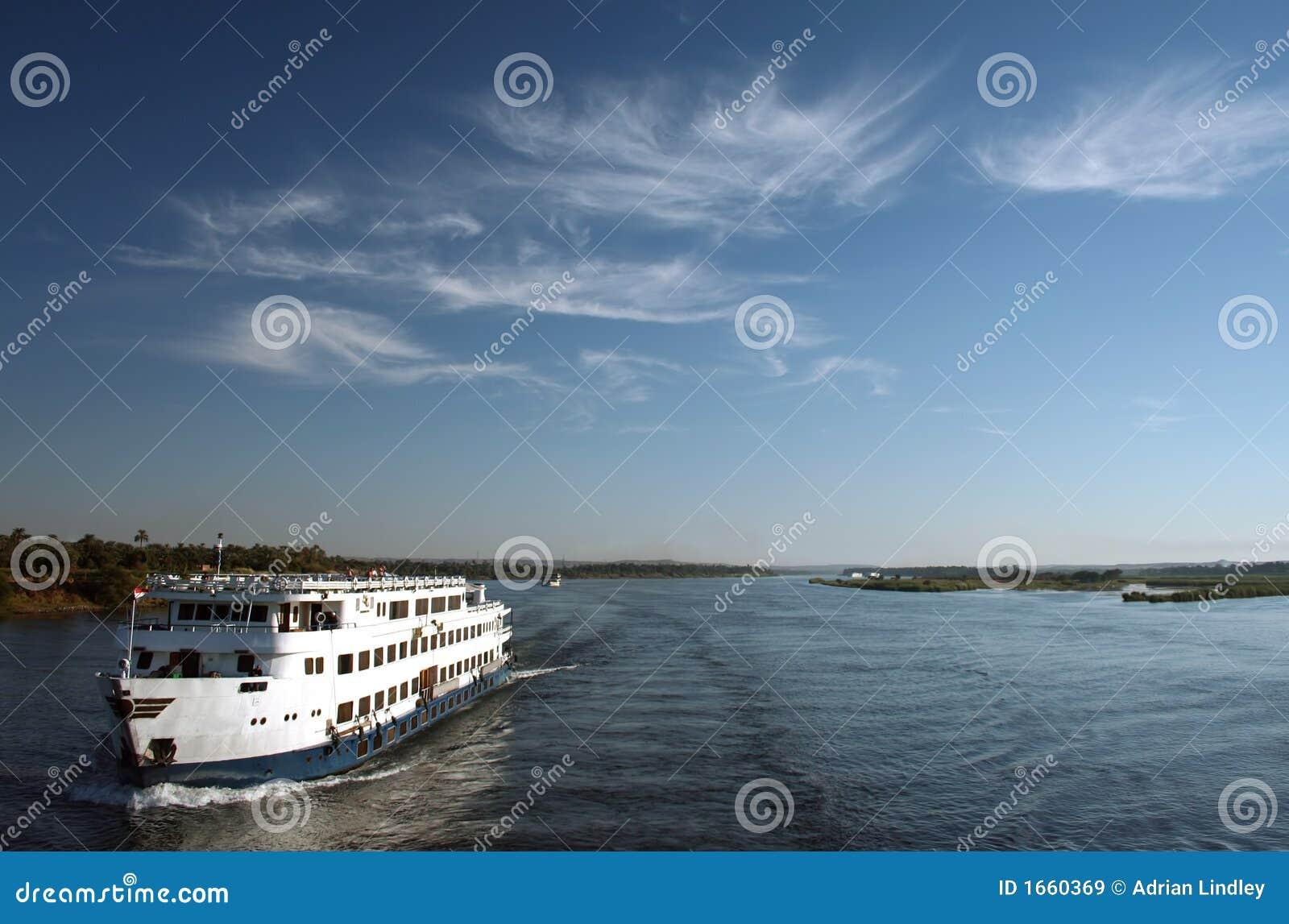 Reiseflug-Boot auf dem Fluss Nil, Ägypten.