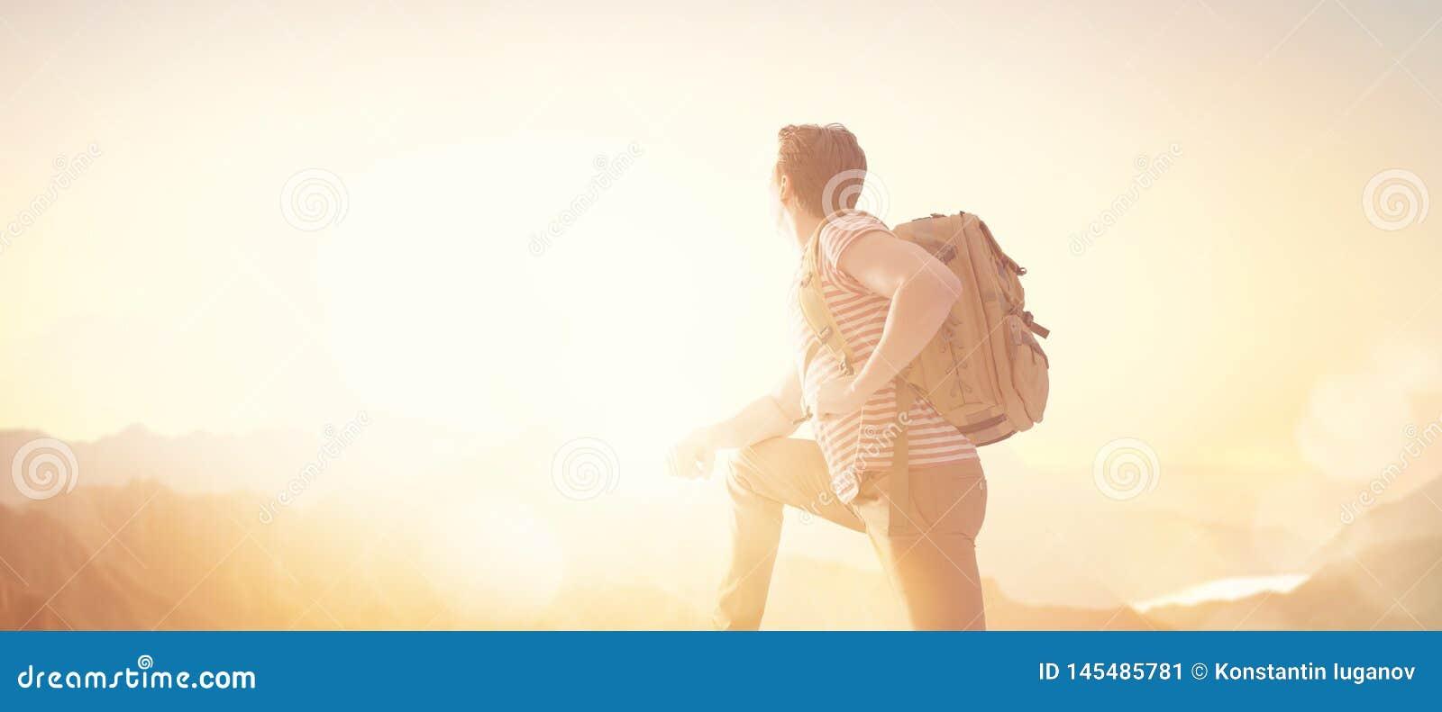Reisender mit Rucksack