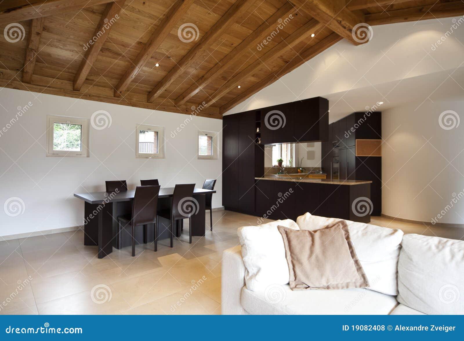 Reizendes Neues Haus, Innen Stockfoto - Bild von tabelle ...