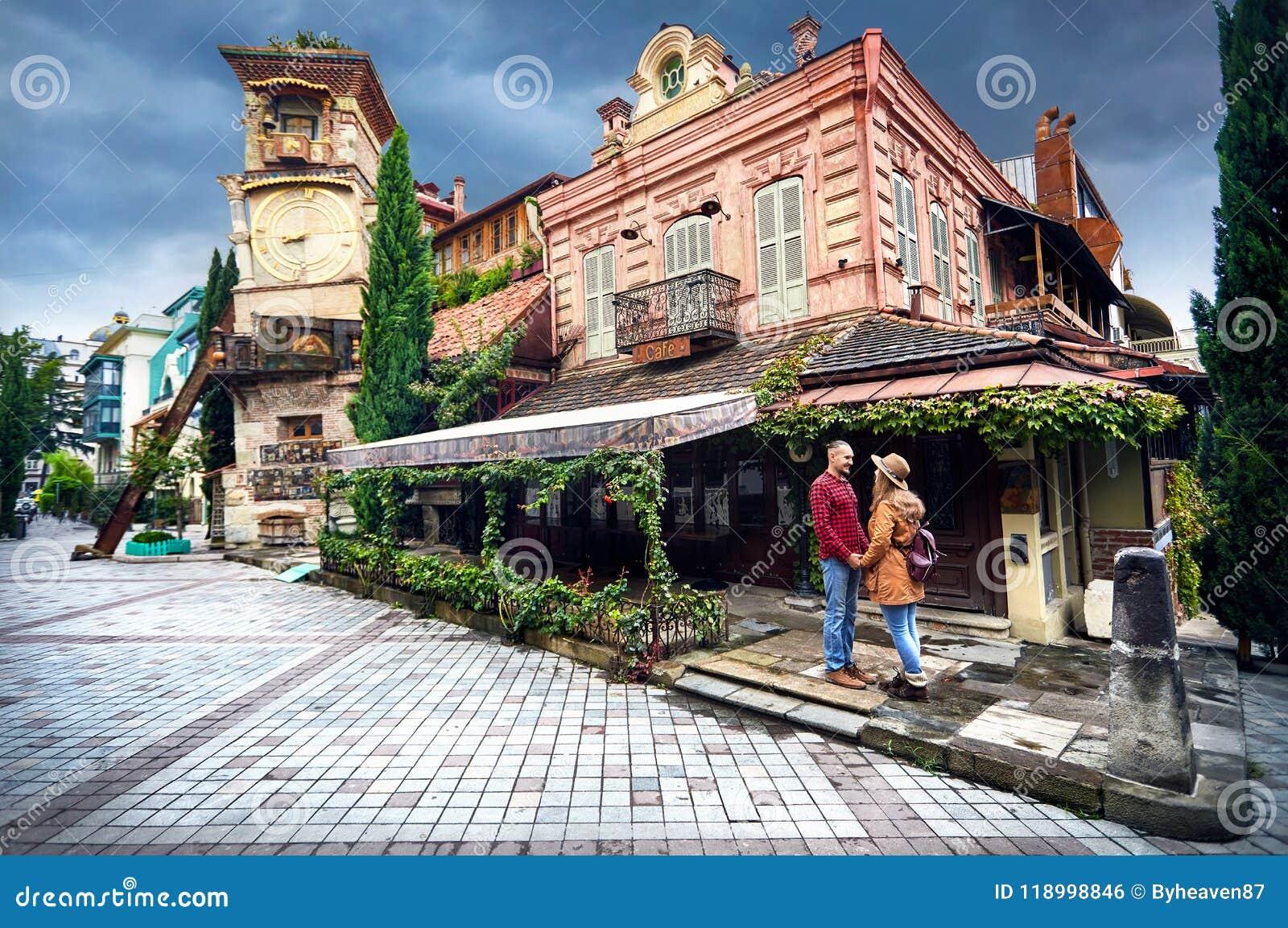 Reizigerspaar in Tbilisi