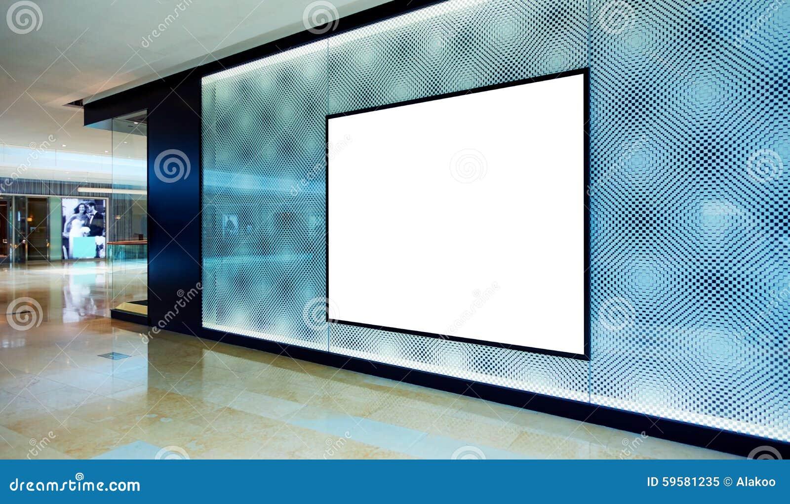 Reklamowy pusty billboard