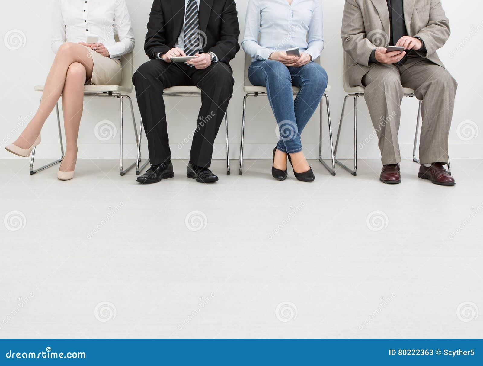 Rekrytering som rekryterar rekryt som hyr hyra - begrepp