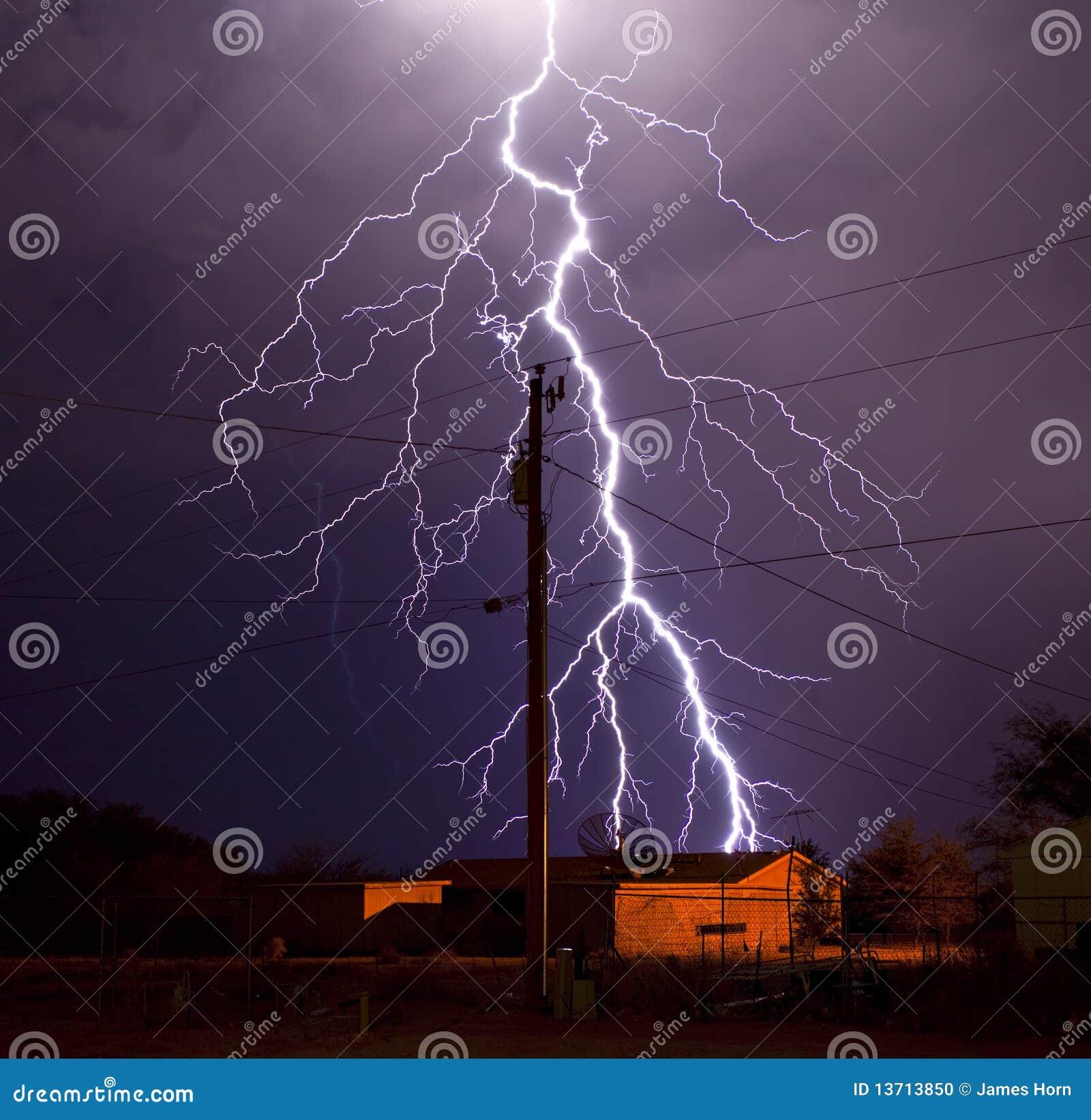 Relámpago de la compañia de electricidad