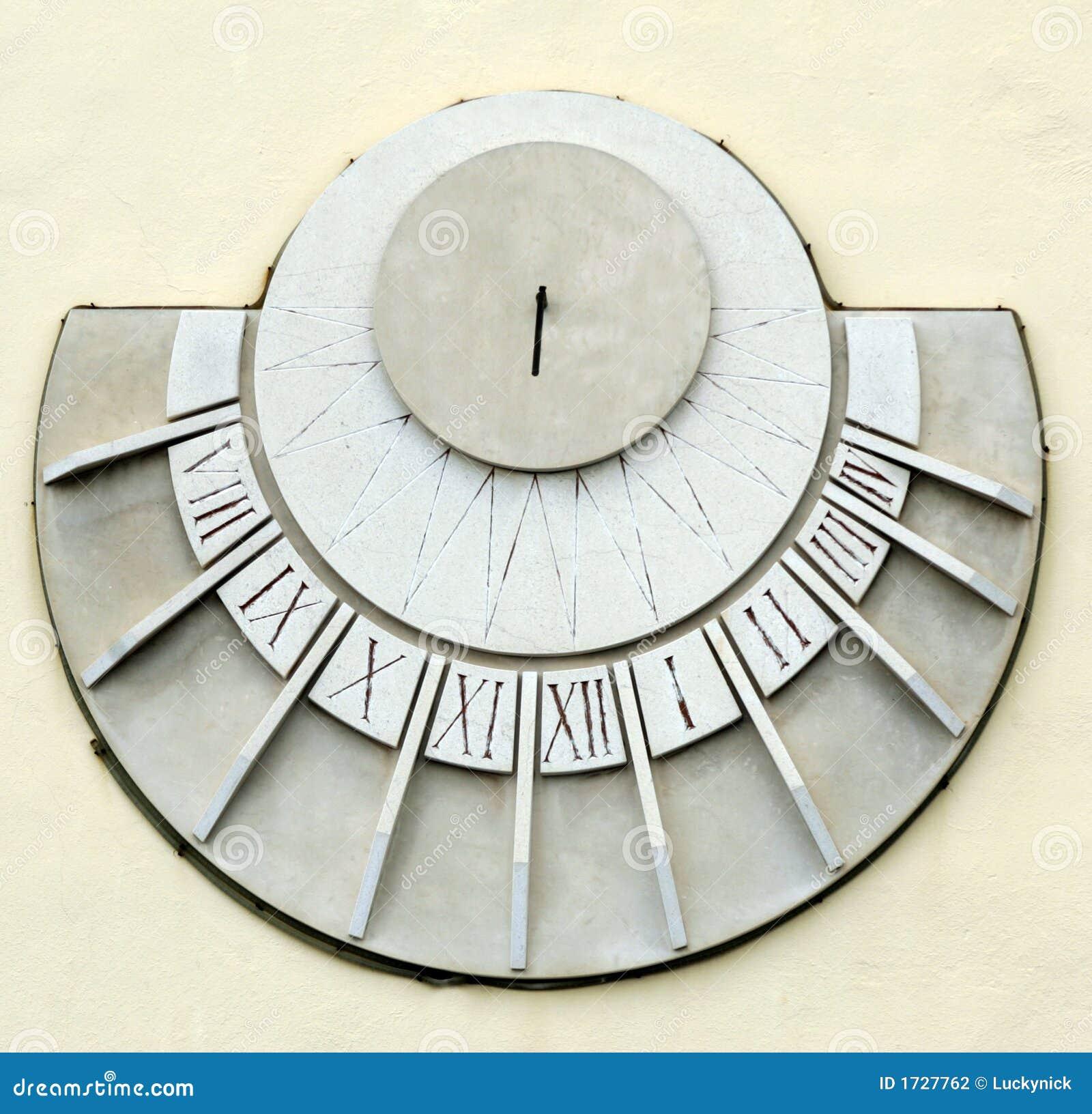 bcfca606fab Relógio de Sun foto de stock. Imagem de cinzento