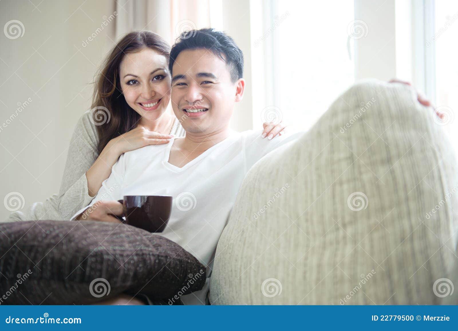 Relajación feliz de los pares