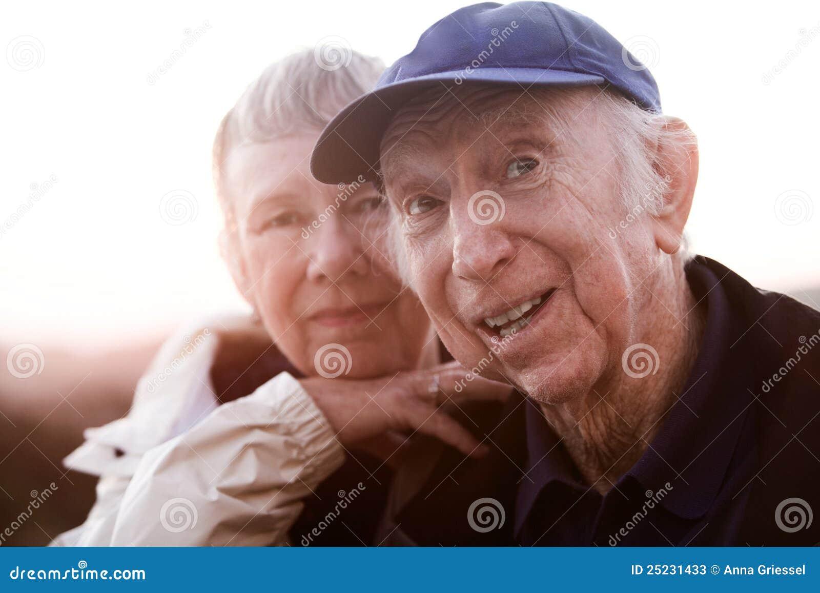 Relaksująca Starsza Para