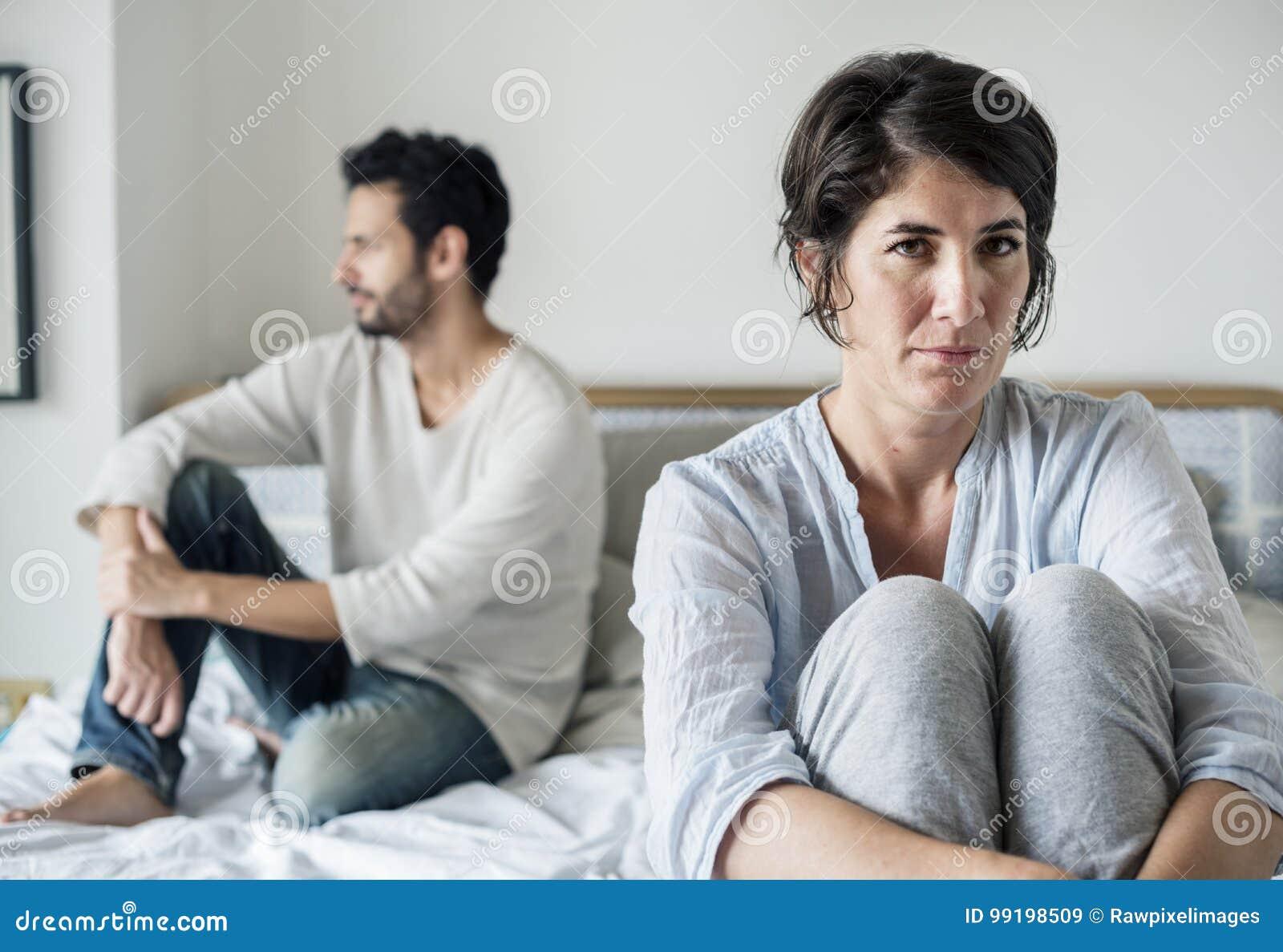 Relations de problème mariées par couples malheureuses