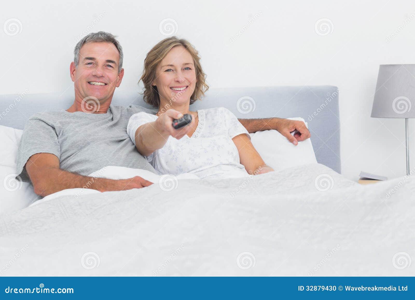 Секс смотря на телевизор 5 фотография