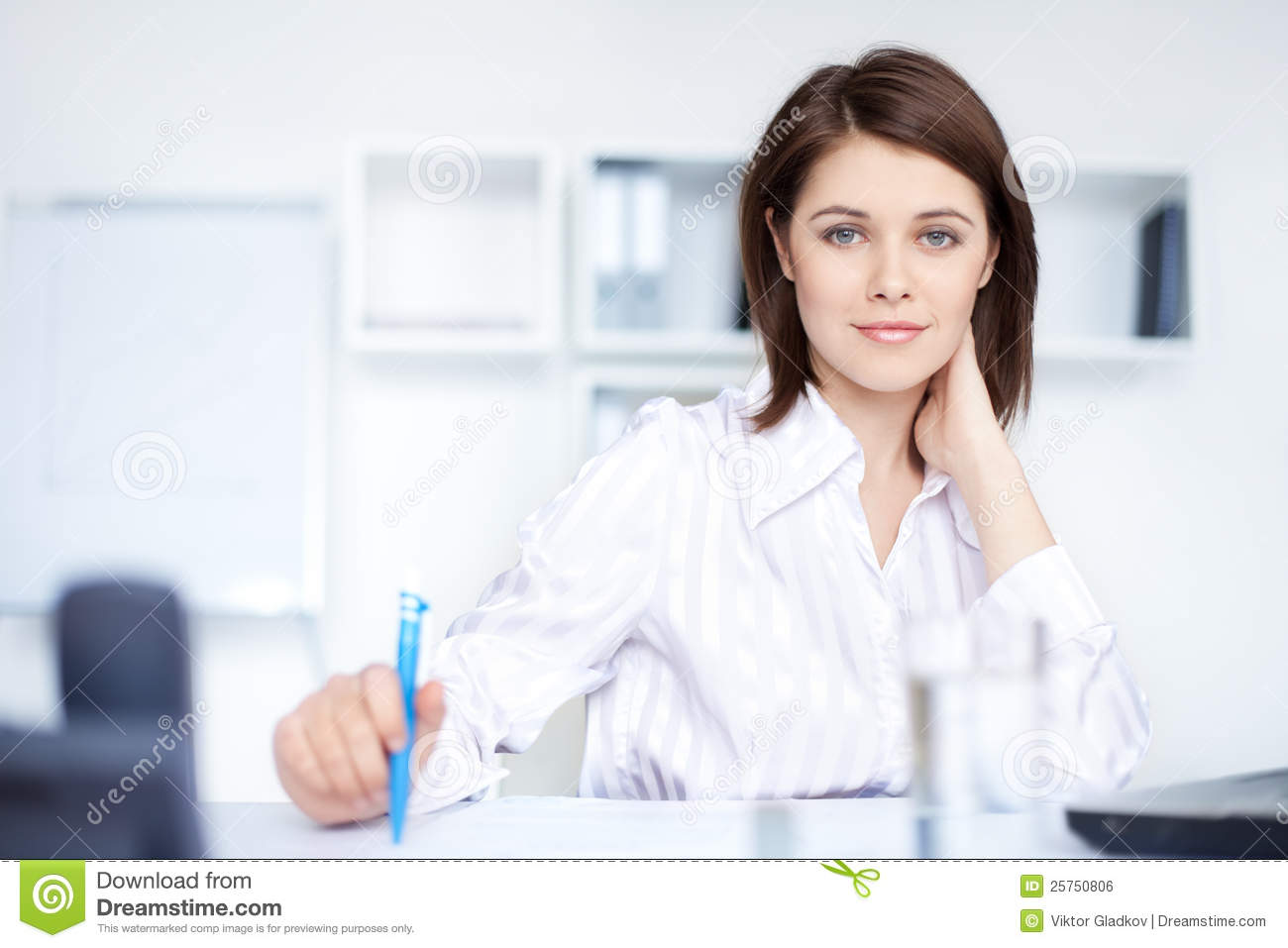 relaxed-young-business-woman-woman-office-25750806.jpg