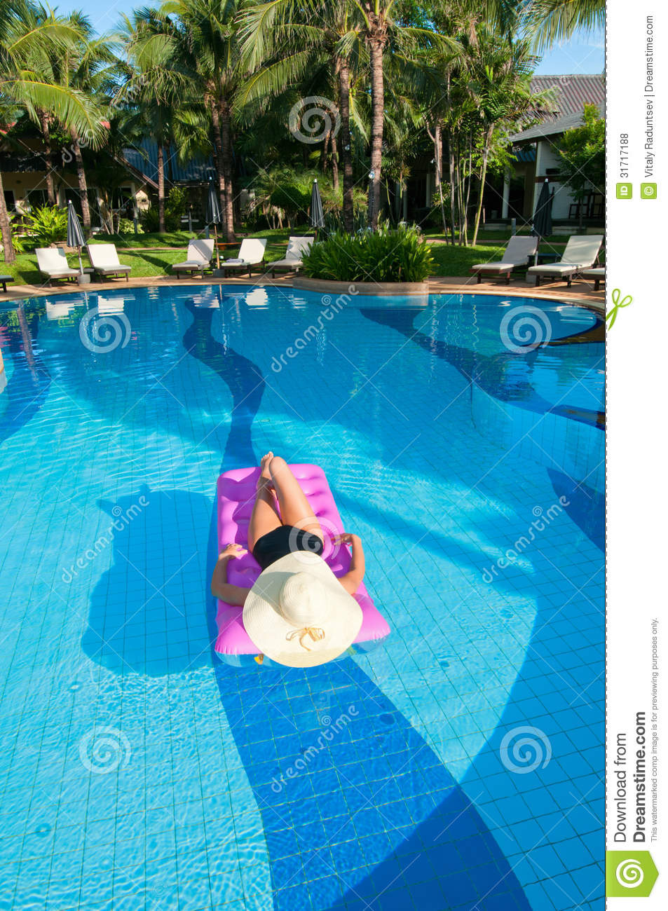 Free Swimming Pool: Relaxing In The Pool Royalty Free Stock Photos