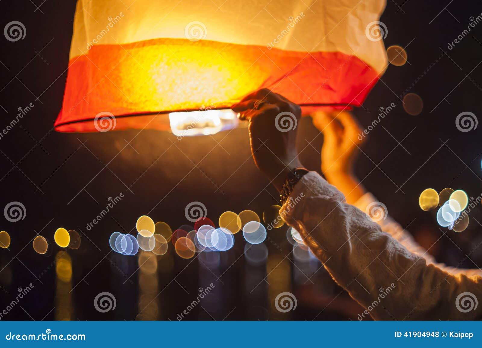 Releasing hot air lanterns