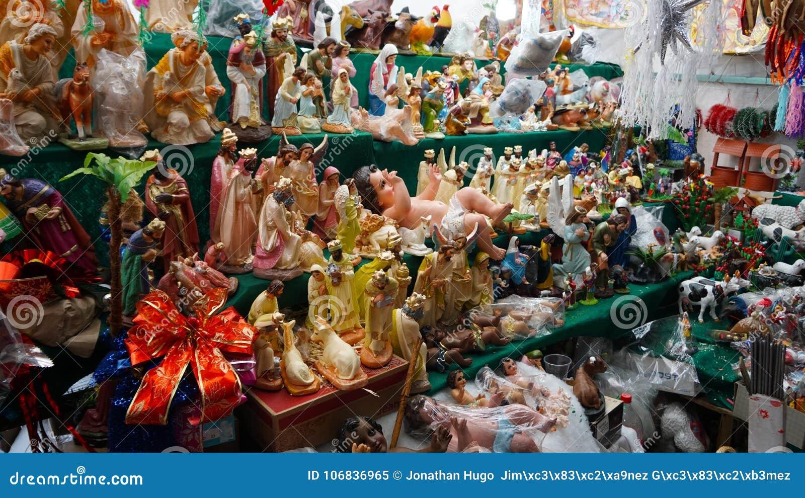 Religiösa statyetter och djur