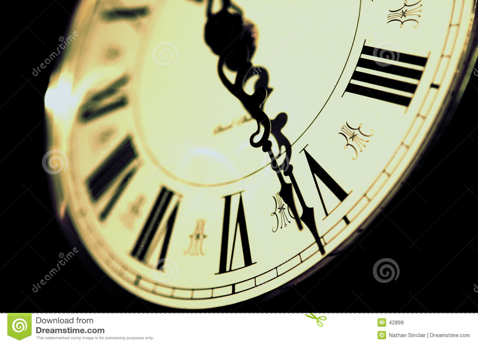Download Reloj imagen de archivo. Imagen de círculo, fondo, mosca - 42899