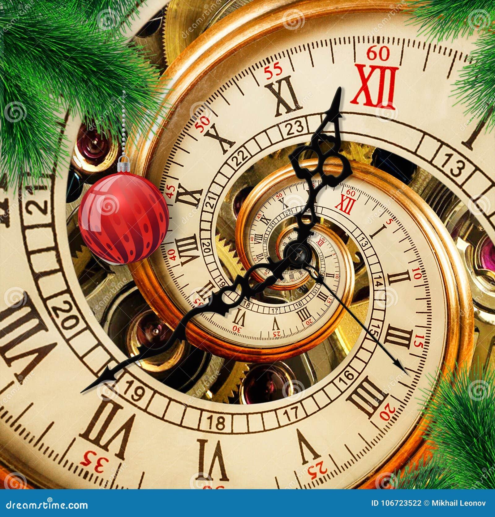 Reloj abstracto del Año Nuevo con la bola roja del ornamento en fondo verde del árbol de navidad Tiempo de la Navidad de la tarje