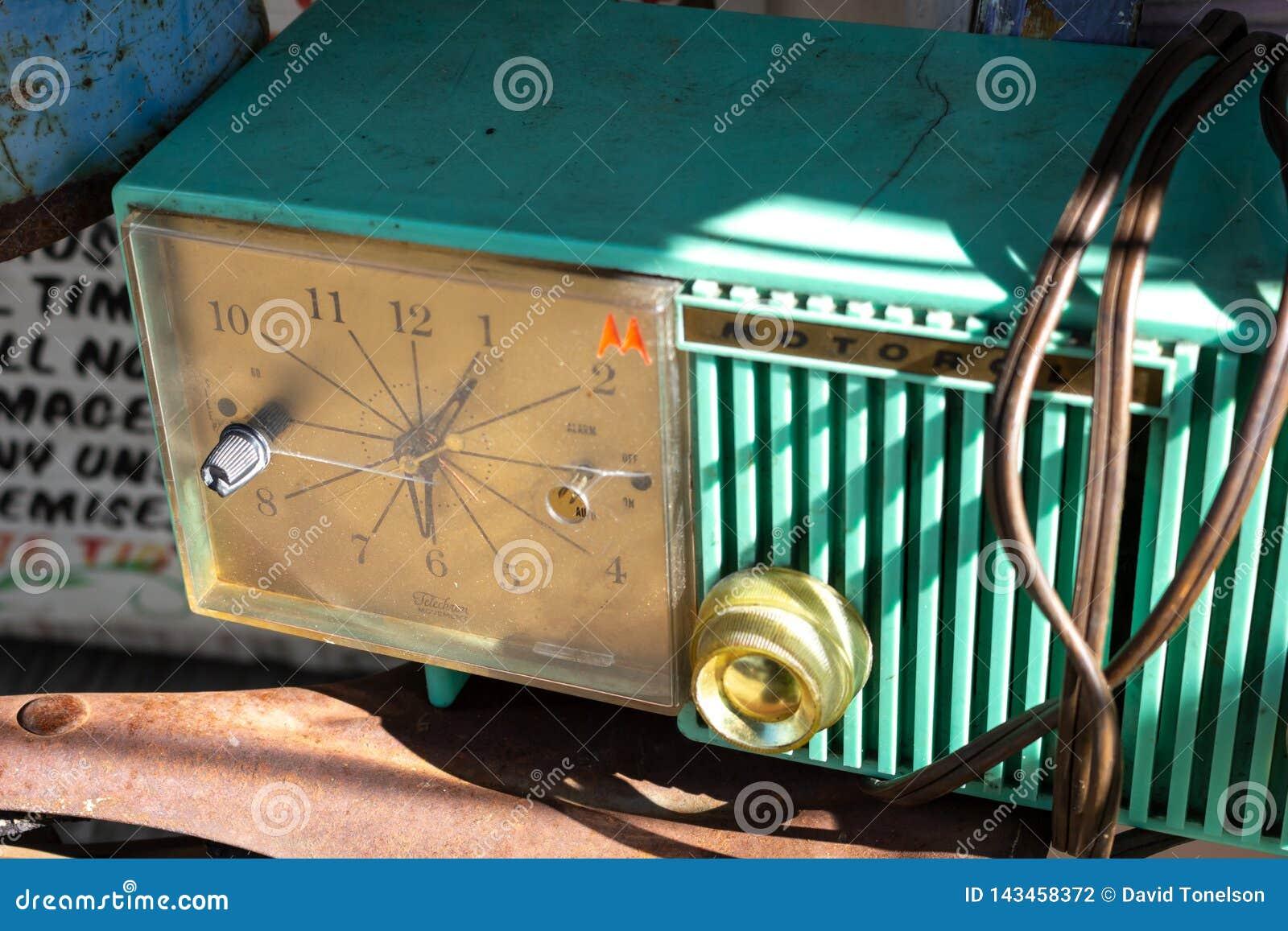 Reloj de Motorola del vintage en la exhibición