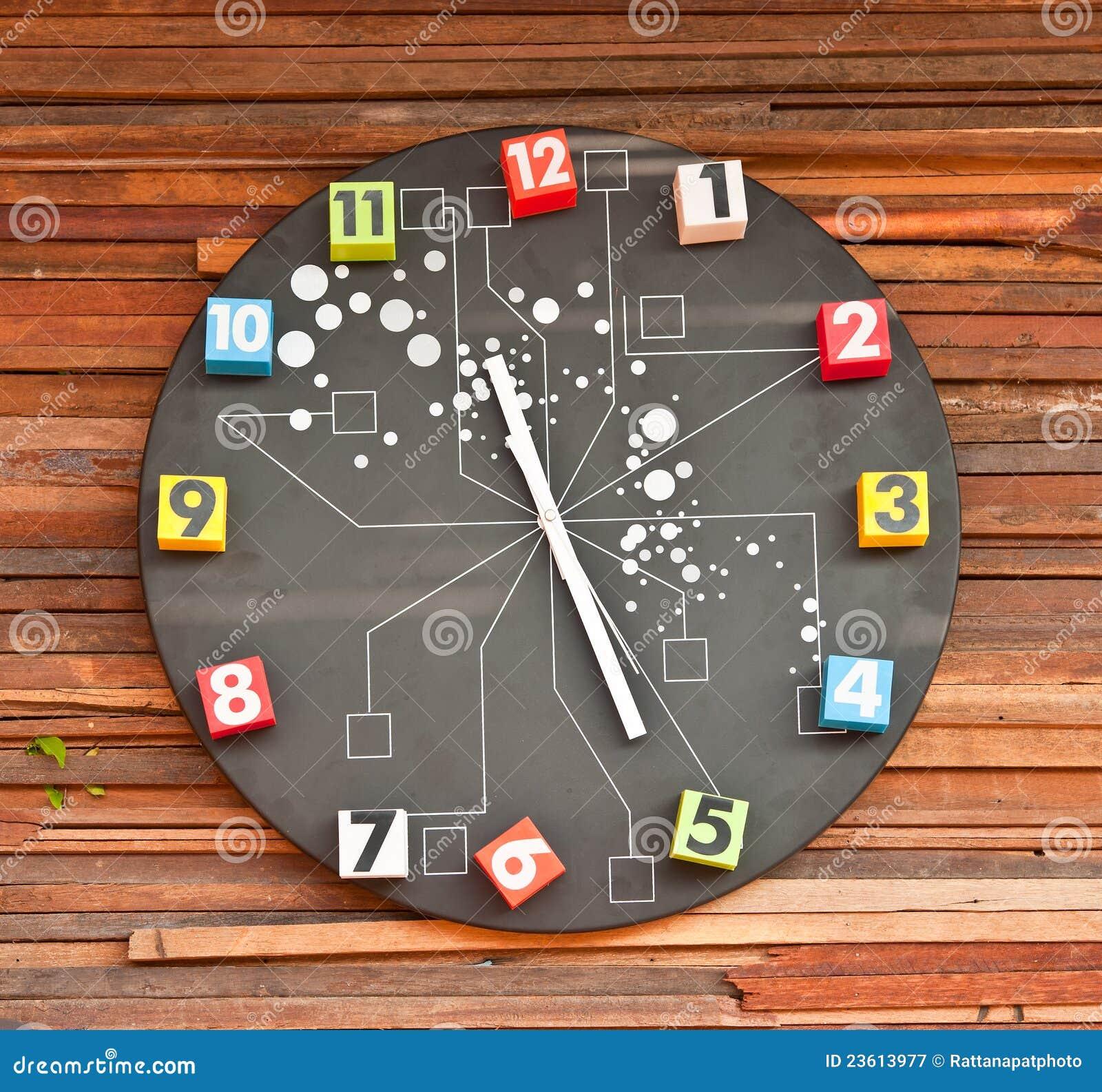 Reloj de pared moderno fotograf a de archivo libre de - Reloj de pared moderno ...