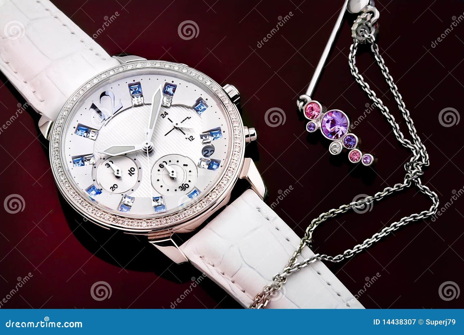 Reloj y joyería del ms
