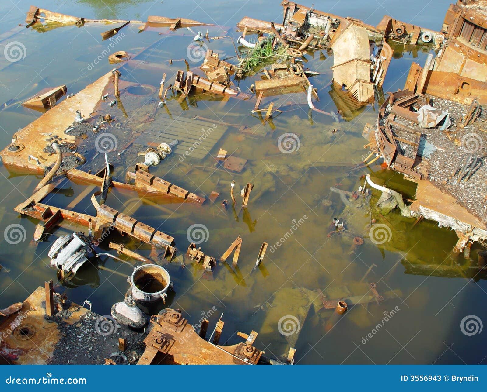 Remains arrugginiti di una nave sunken