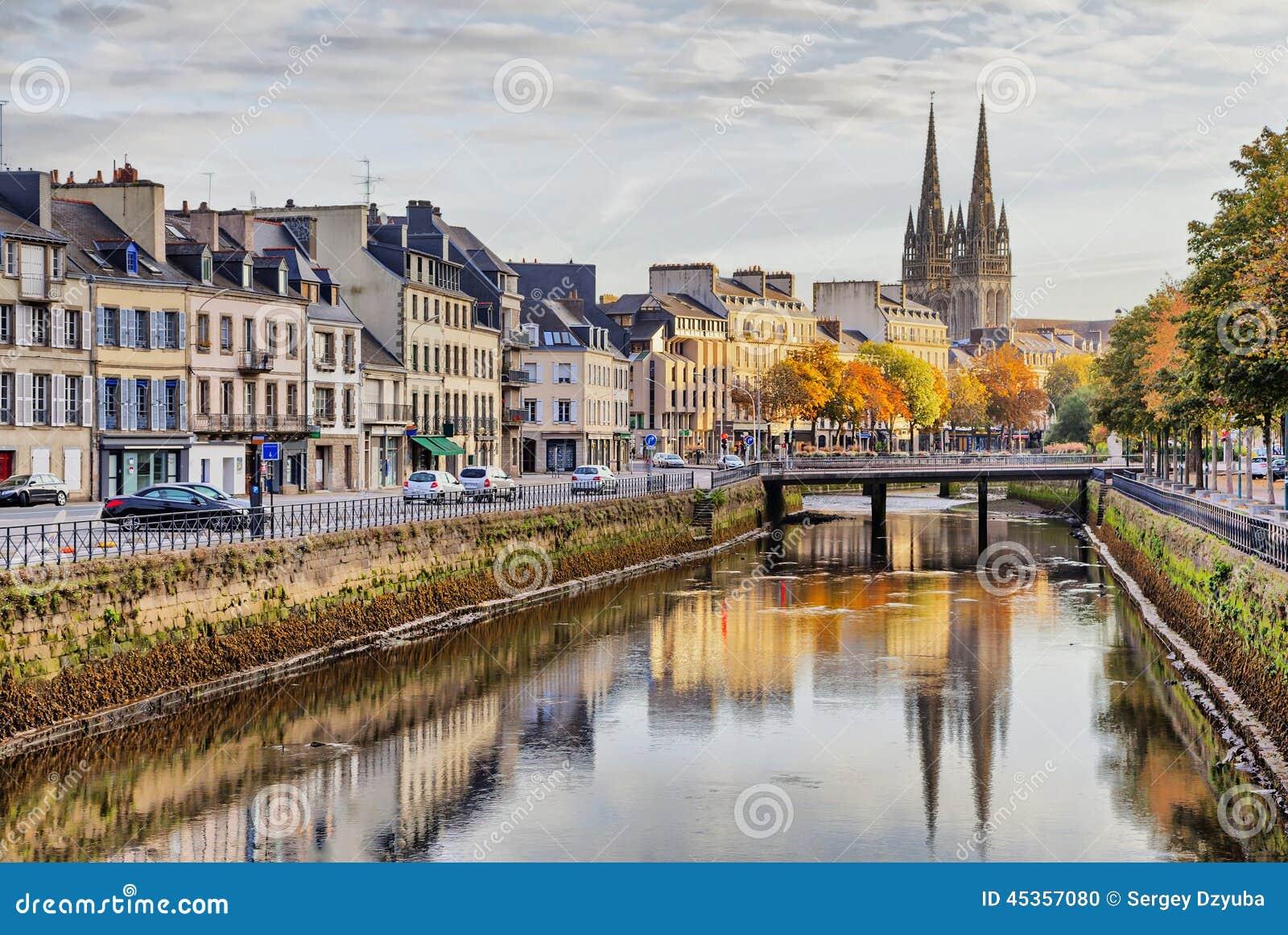 Remblai de rivière Odet à Quimper, France