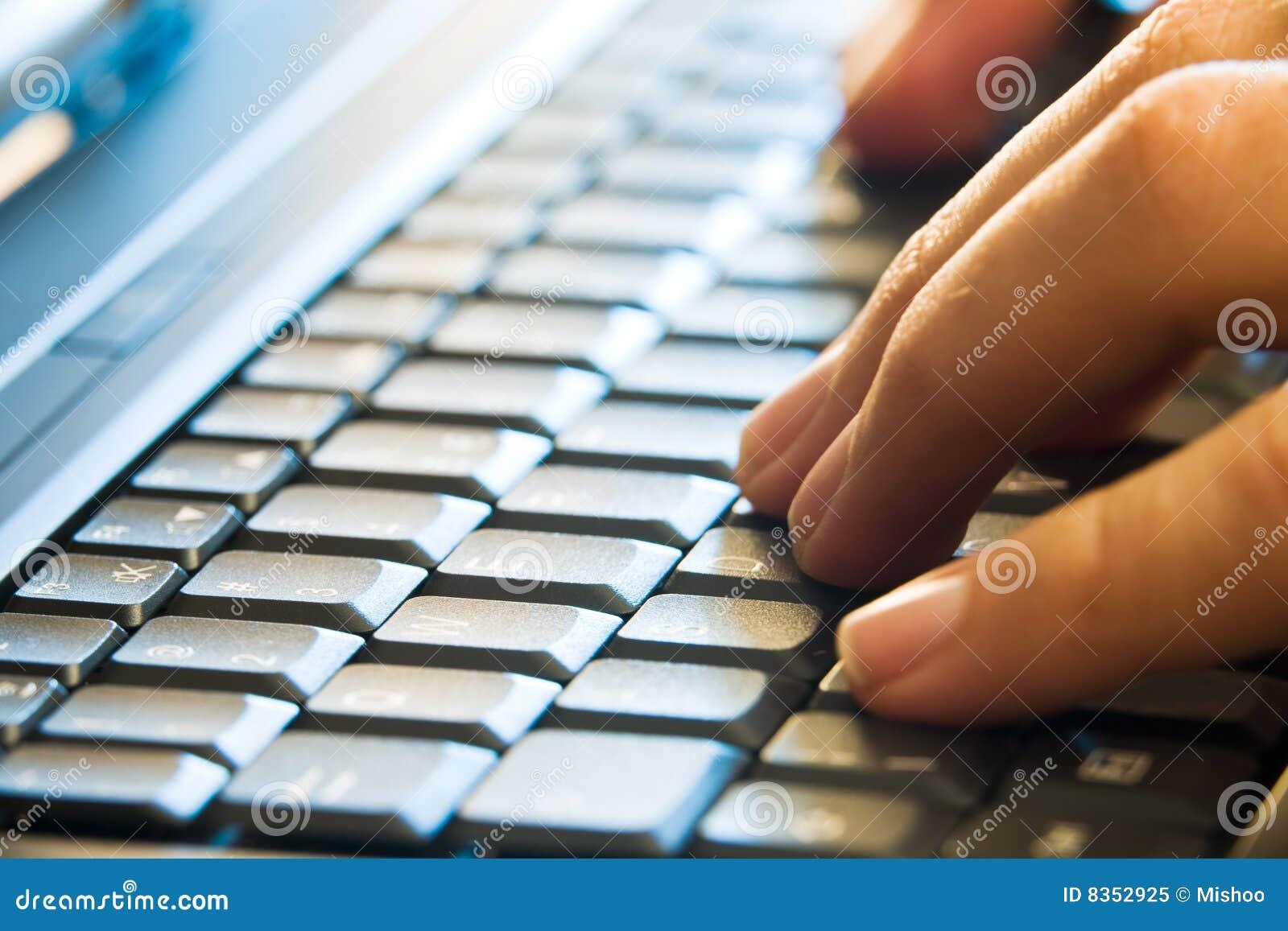 Remet taper d ordinateur portatif