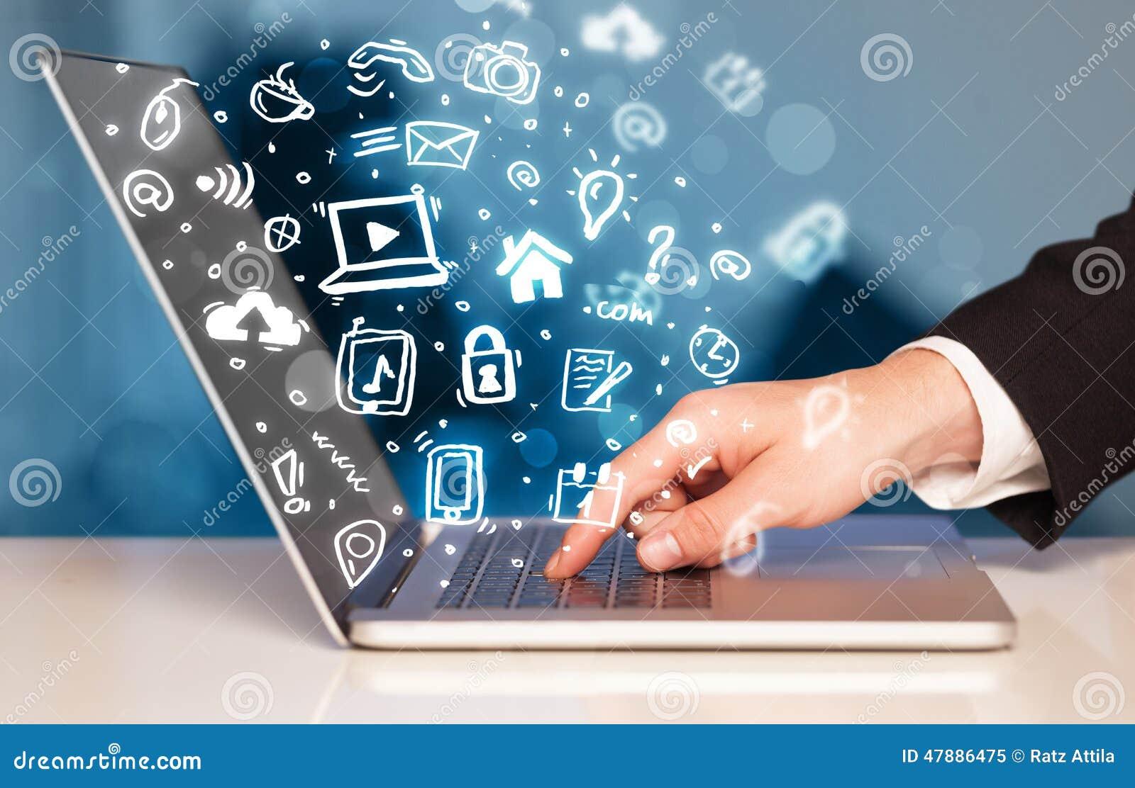 Download Remettez L'écriture Sur L'ordinateur Portable Avec Des Icônes Et Des Symboles De Media Illustration Stock - Illustration du humain, nuage: 47886475