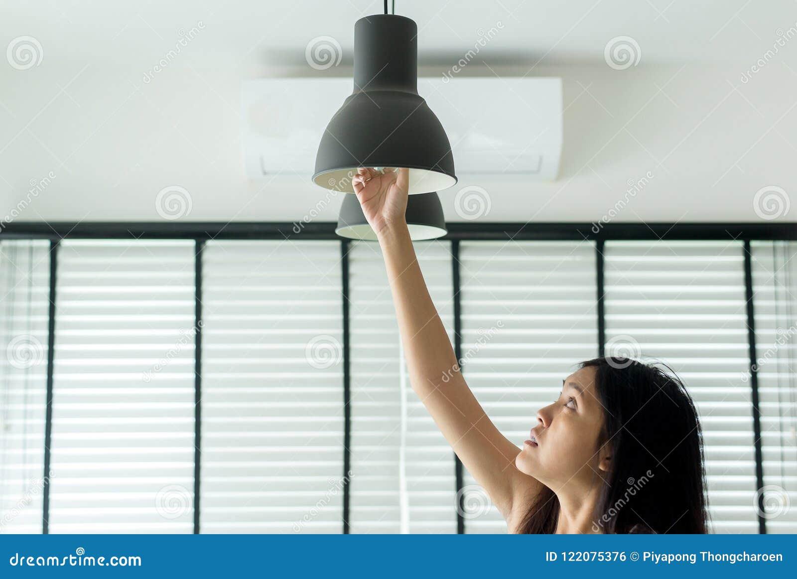 La De Changeant Nouvelle Femme Led Remettez L'ampoule Lampe Avec dsQrth