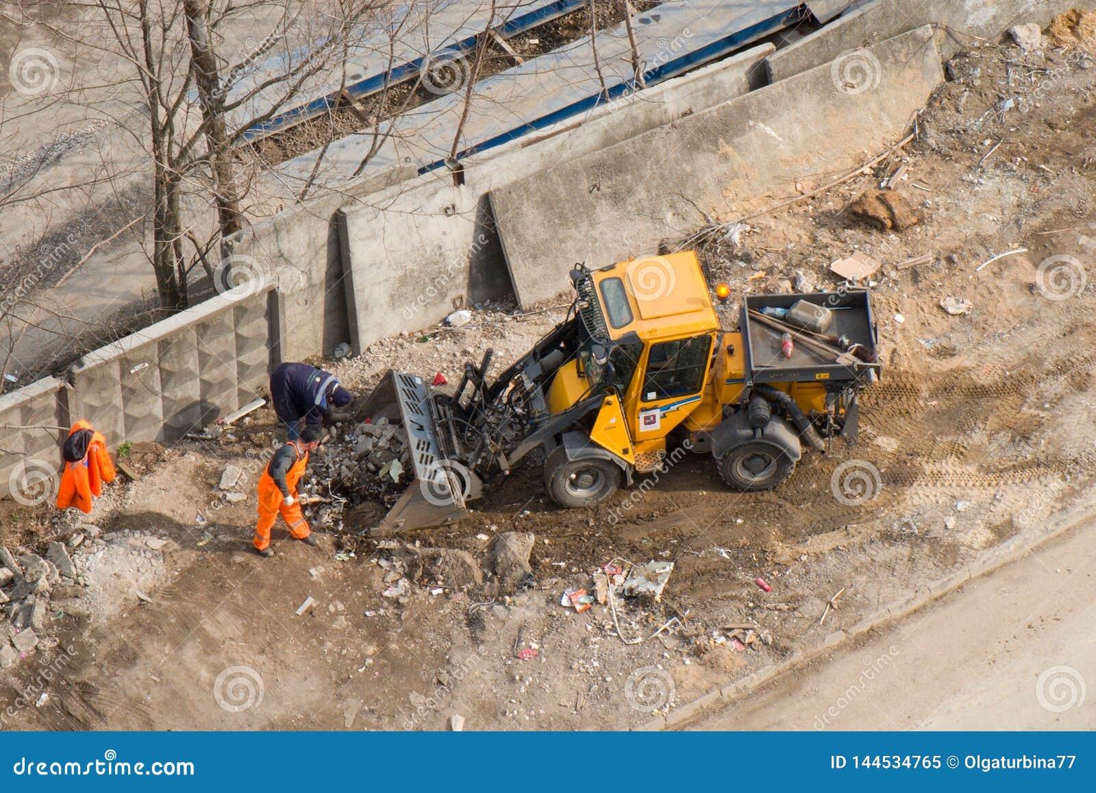 Remoção dos restos do canteiro de obras