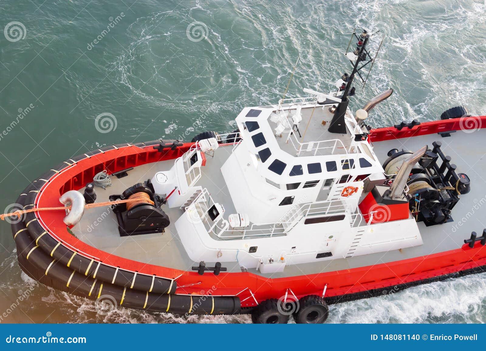 Remorquage de Tug Boat relié par ligne pour se transporter pour manoeuvrer l amarrage/le procédé d accouplement