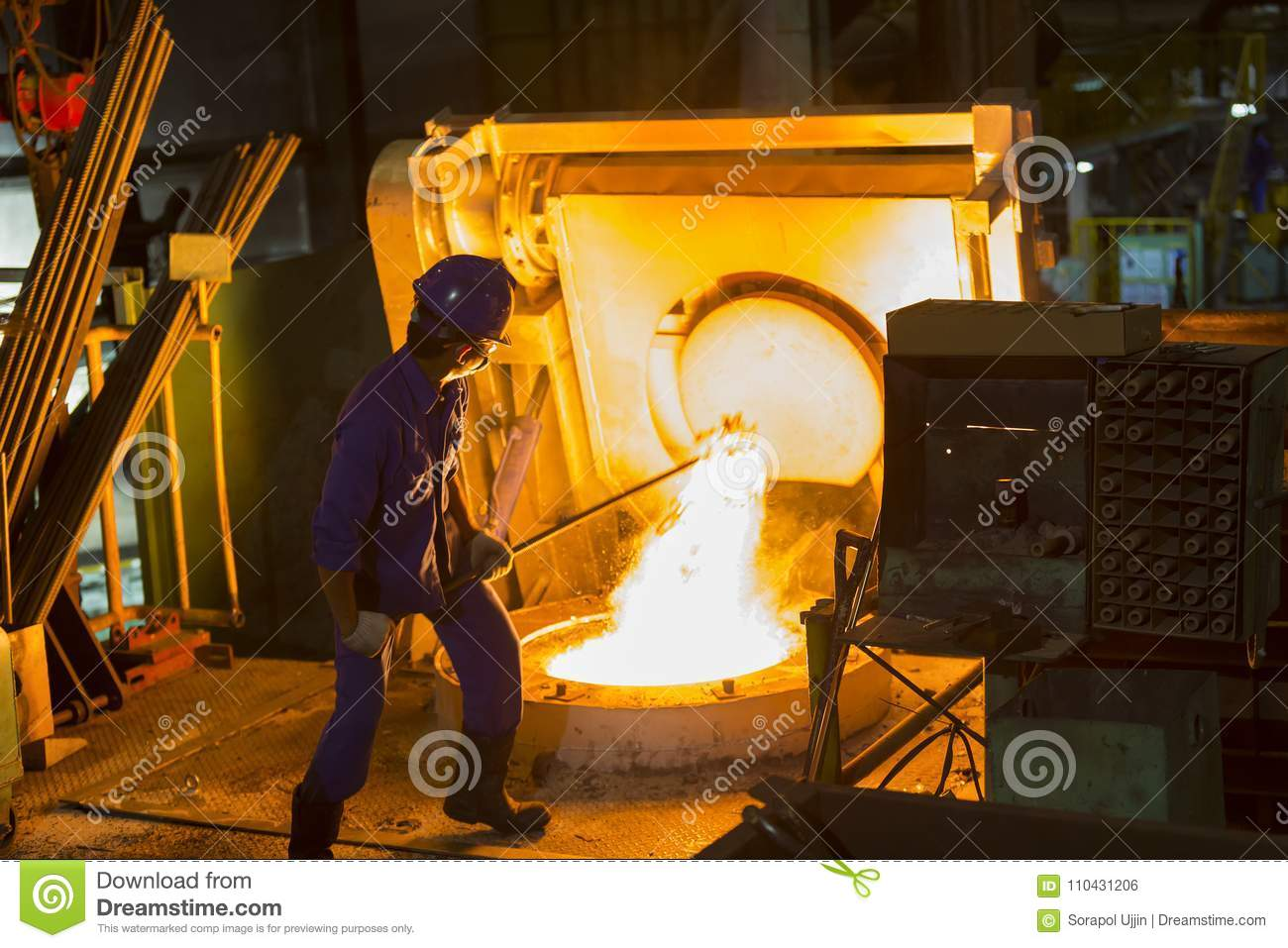 Remove From Electric Induction Crucible Melting Furnace