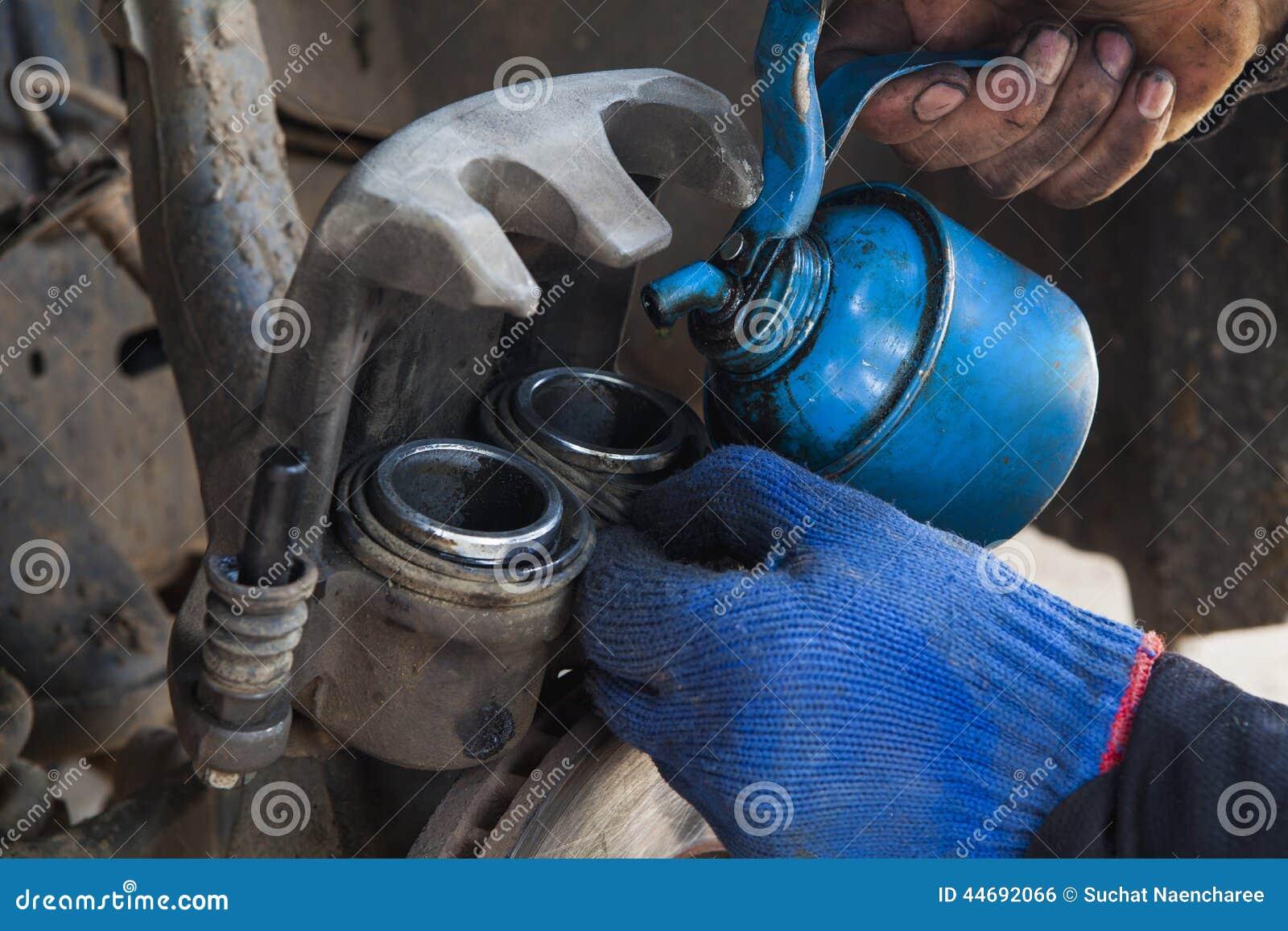 Removendo o compasso de calibre do freio