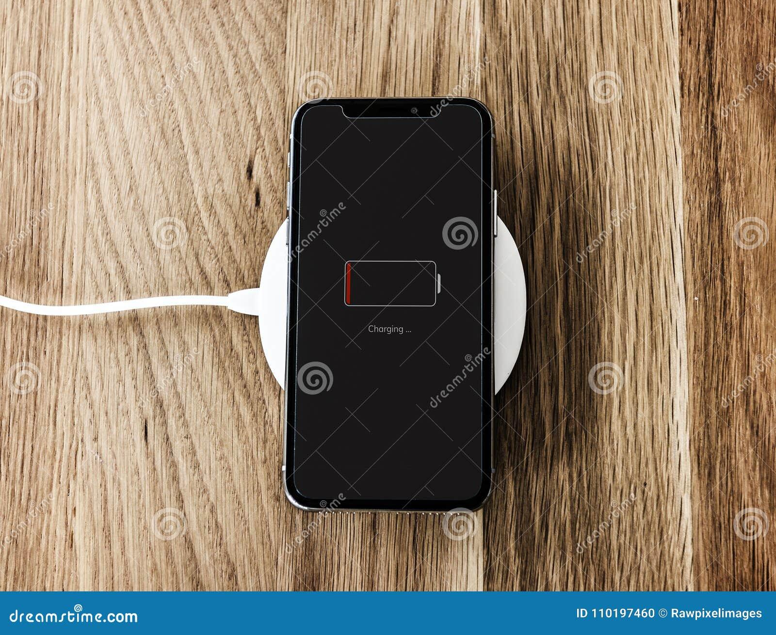 Remplissage d un bas smartphone de batterie