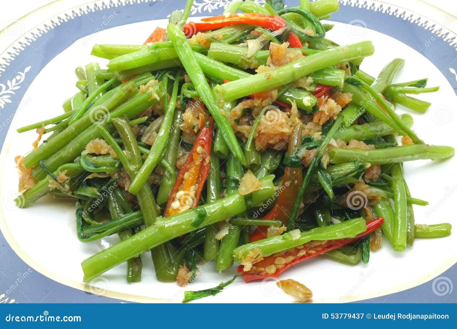 Remuez Fried Water Spinach/gloire de matin avec la crevette/fruits de mer secs, nourriture thaïlandaise