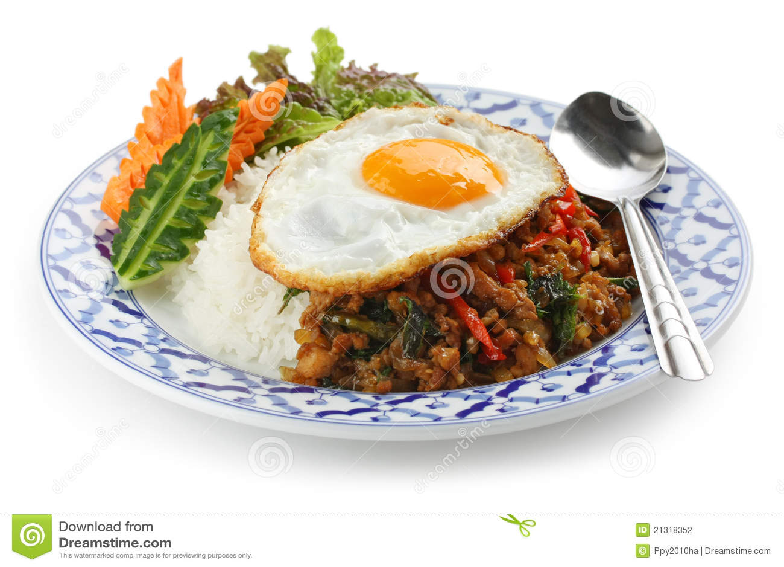 Remuez le poulet frit avec le basilic saint, la garniture bai g de gai