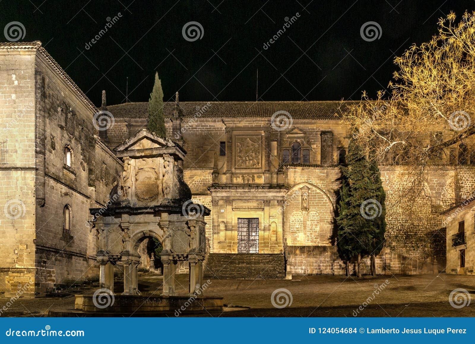 Renaissancekathedraal van de Geboorte van Christus van Onze Dame in Baeza, Jaen