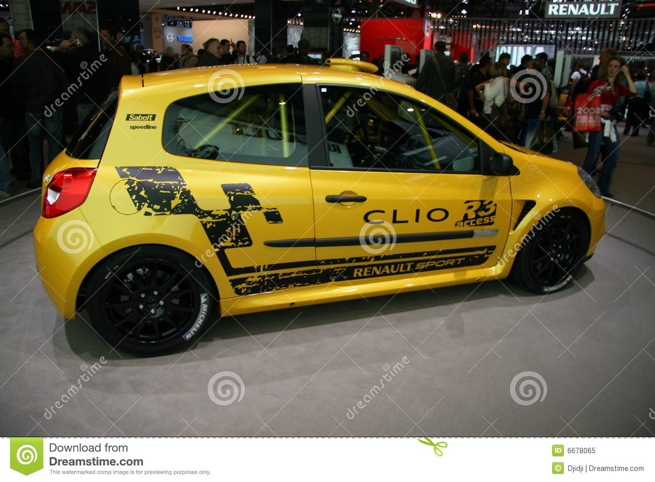 RENAULT CLIO R3 editorial image. Image of coupe, lights ...