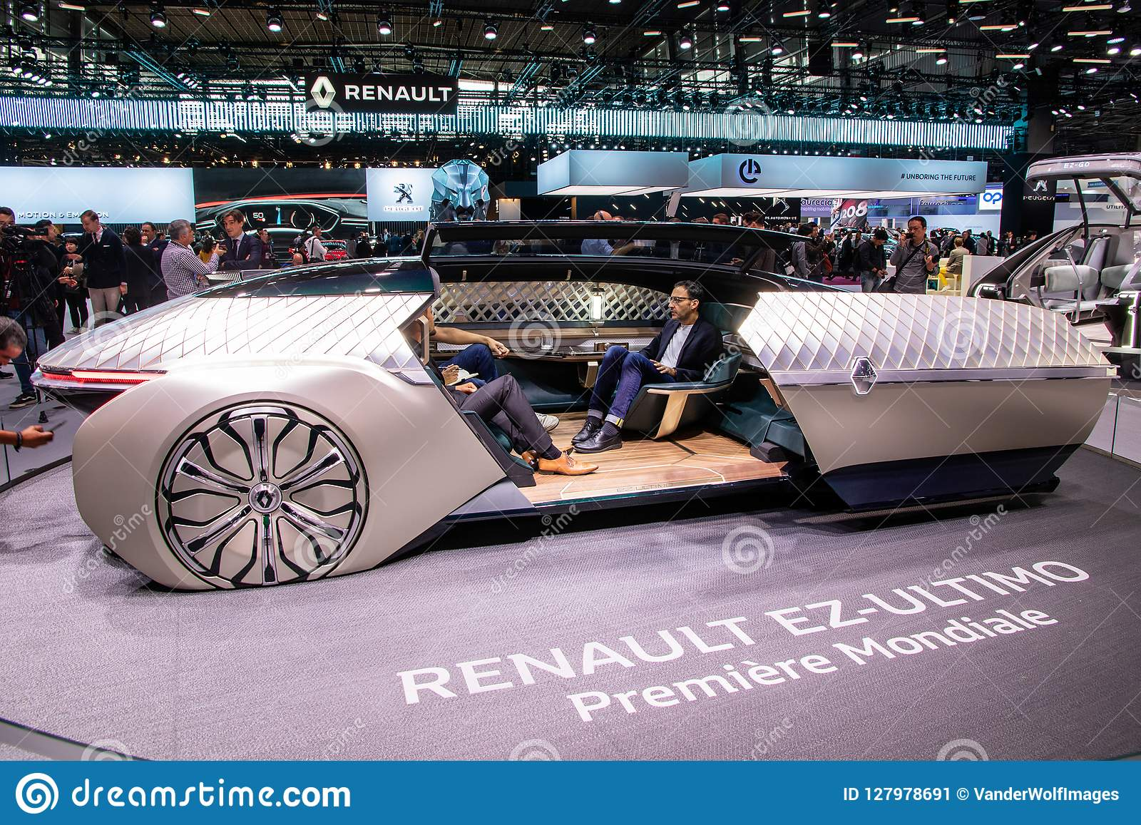 Renault Ez Ultimo Self Driving Luxury Lounge Concept Car Editorial