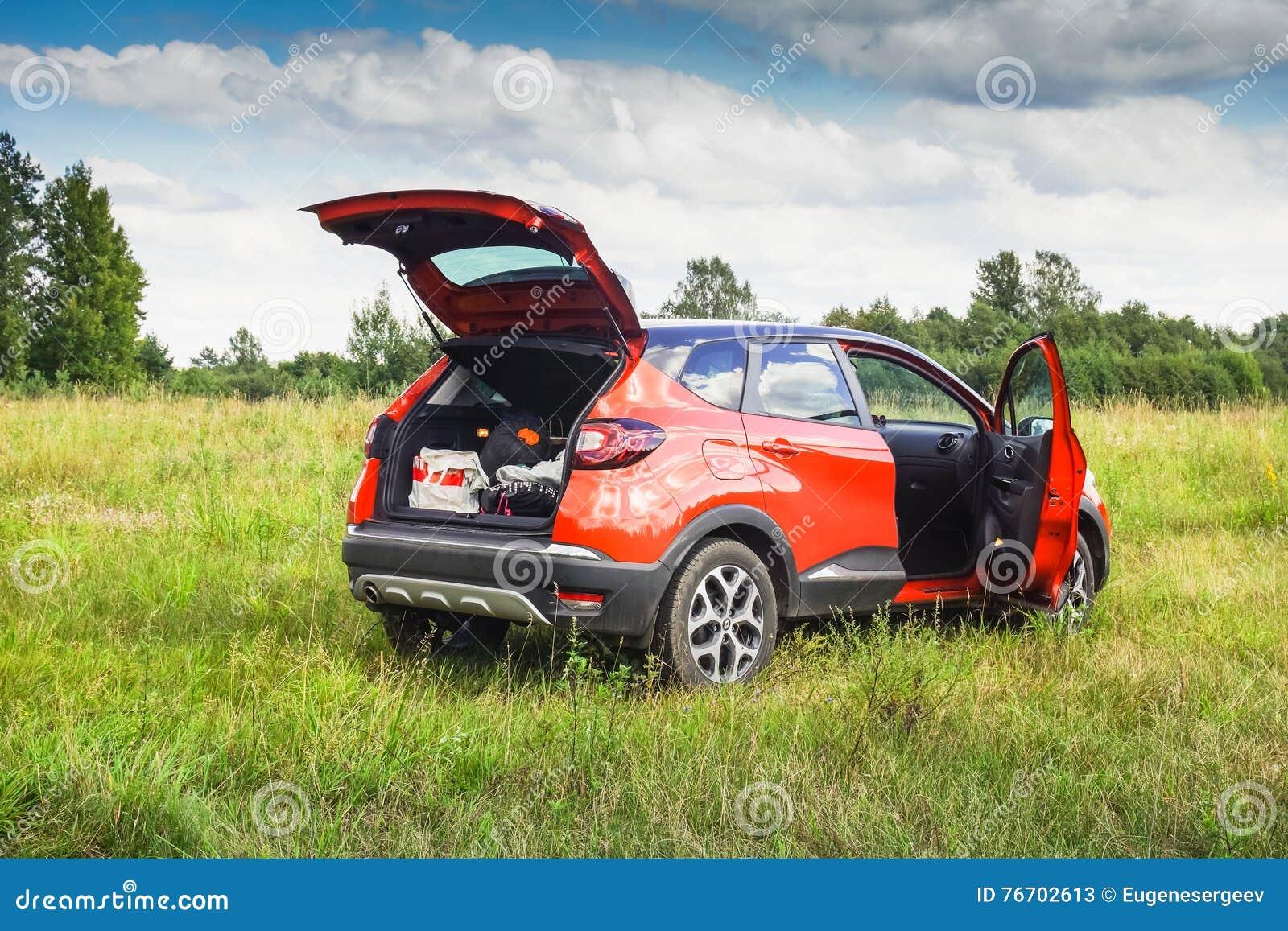 Renault Kaptur med öppna dörrar