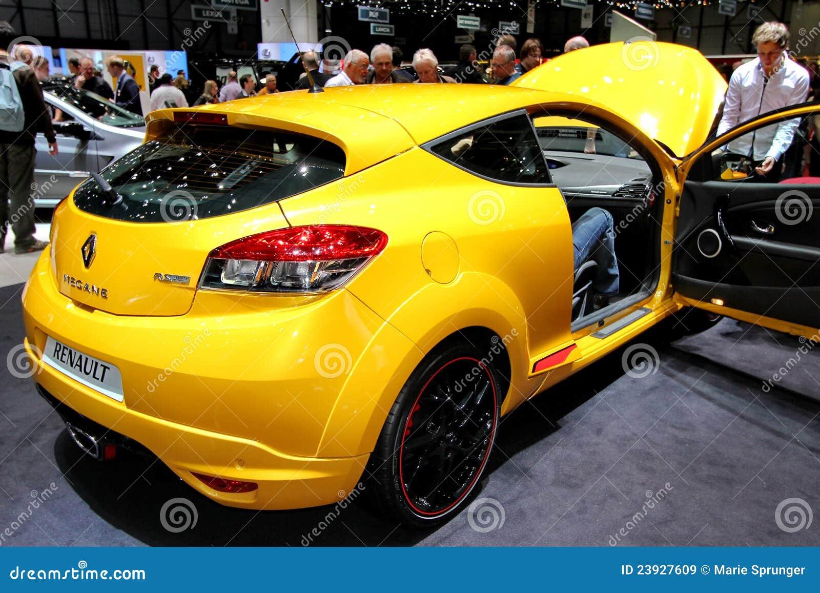 Renault megane yellow