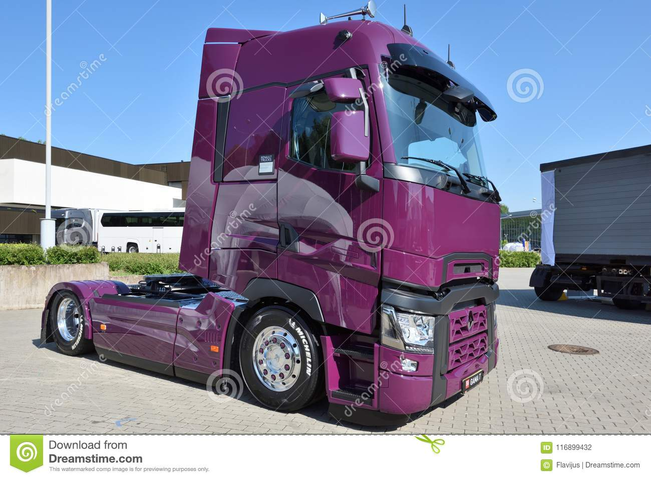 2dae56ffdfad49 Renault truck on parking editorial photography. Image of sales ...