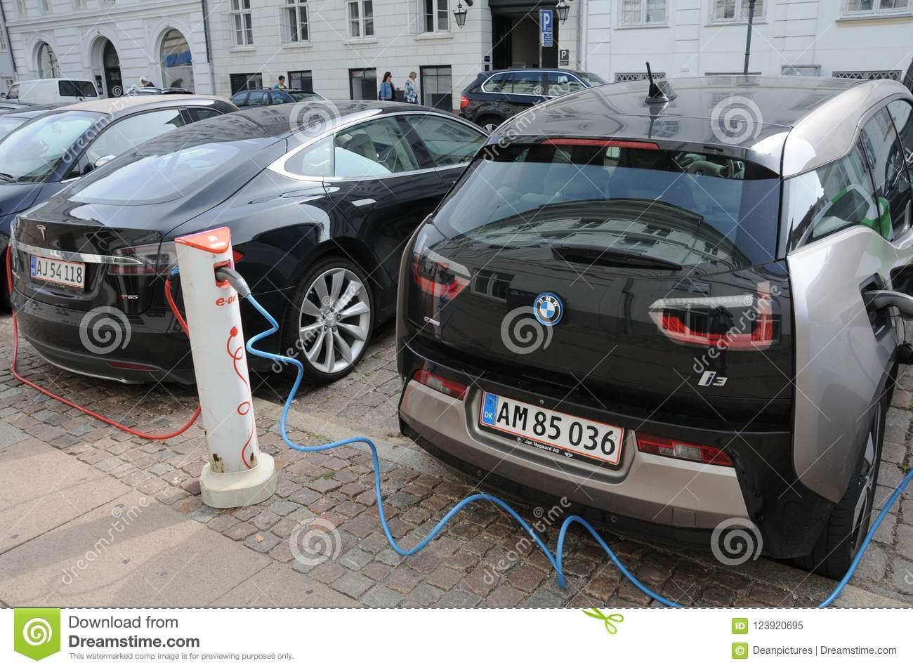 Renault Zoe And Bmw Electric Car Editorial Image Image Of Finance
