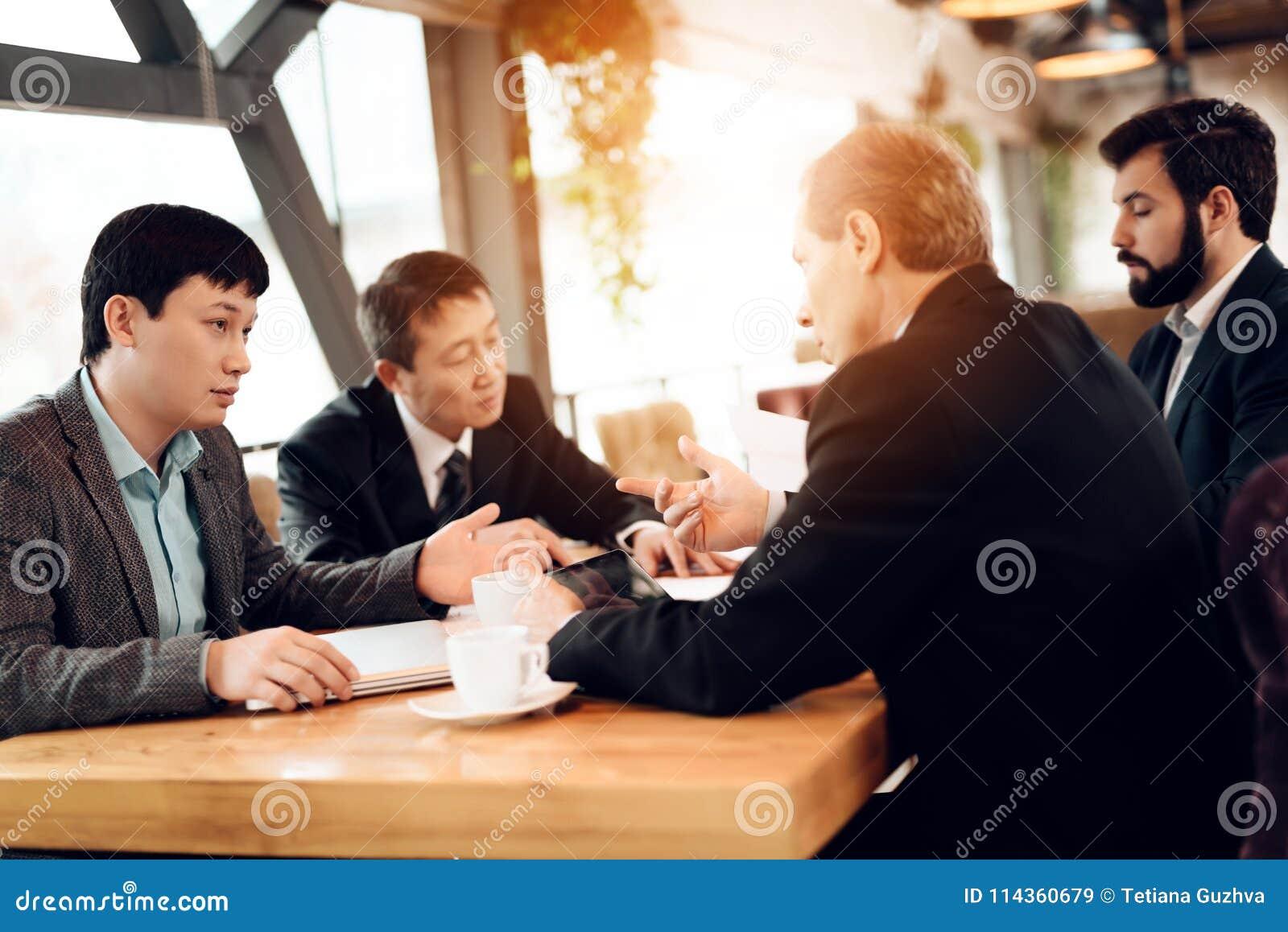 rencontre avec homme d affaire)