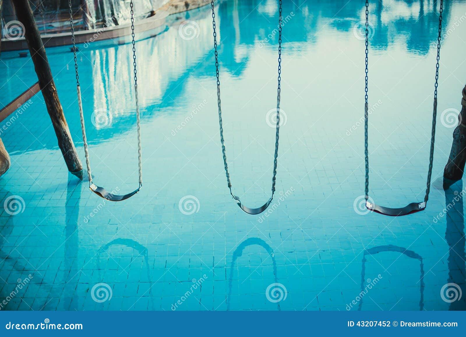 Download Rent vatten arkivfoto. Bild av egypt, swing, rent, clean - 43207452